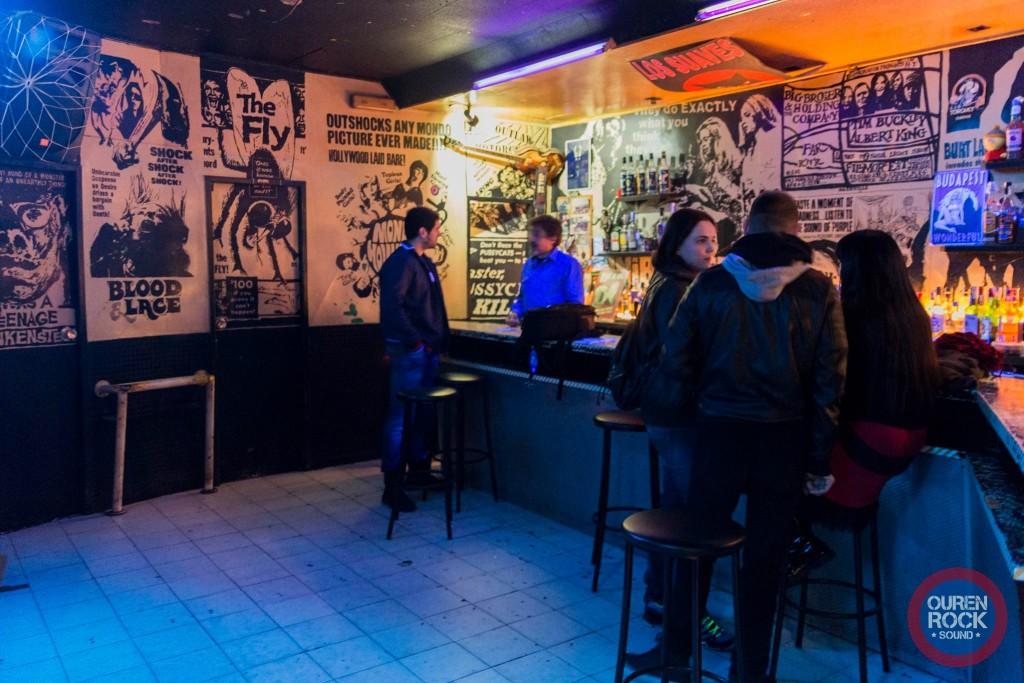 Bar Far interior